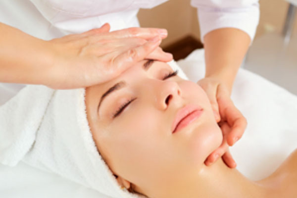 7 Reasons Why You Should Be Getting Regular Facials…